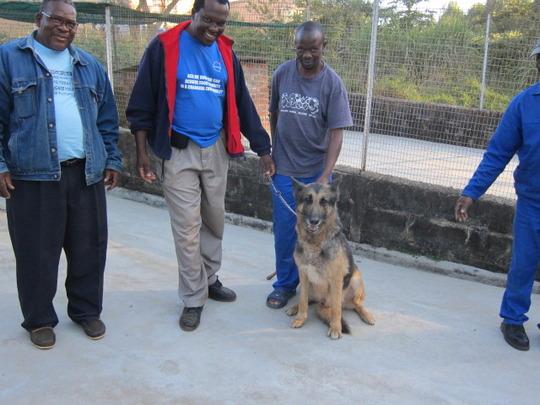 Vusumnotfo staff learning from Simon Mamba of SAWS
