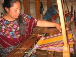 AFEDES Member Using a Foot-Loom