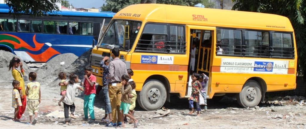 Mobile Classroom at Chuna Bhatta construction site
