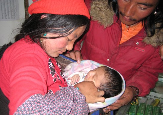 Tibetan Nomad family that benefitted from clean birthing kit
