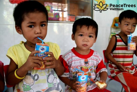 Feed and educate 3,500 children in rural Vietnam