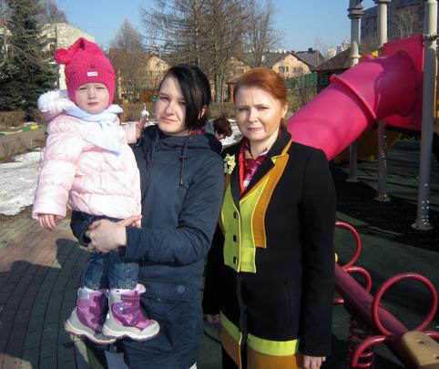 Teen Mom Angelina with her mentor Elena