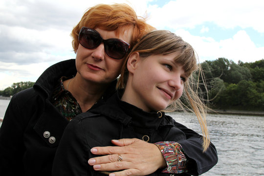 Not Alone: Mentors for Russian Teen Moms, Children
