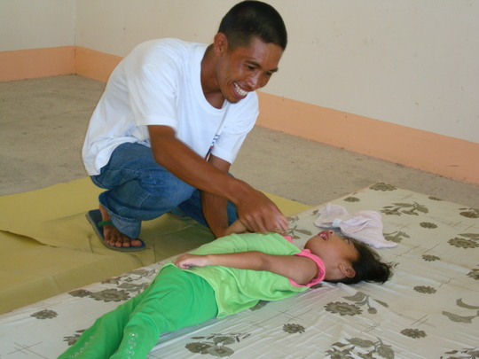 Kid May-ann Malinao with her father