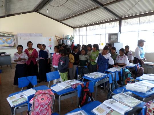 Kevin & His Classmates at Nazacota Puento School