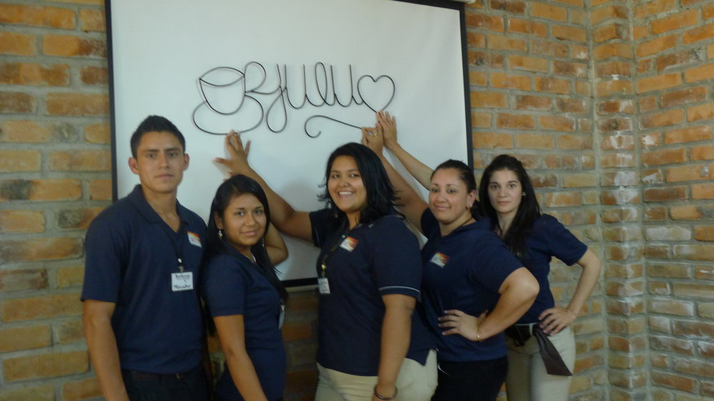 75 YOUNG SALVADORANS DEVELOP THEIR ENTREPRENEURSHI