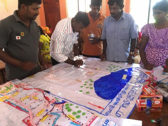 Creating hazard map by participants