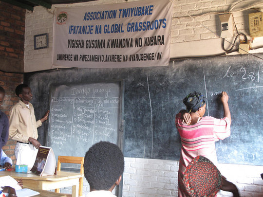 30 Vulnerable Women Learn to Read and Write