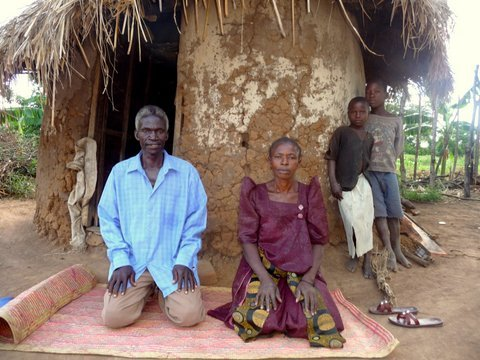 Help 256 Rural Ugandans to Plough Out Of Poverty