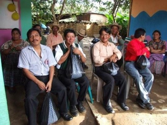 Farmers receiving donations
