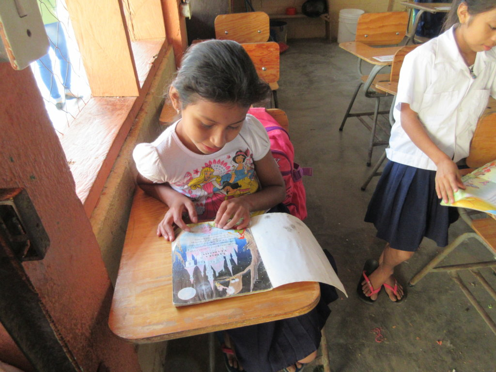 Education & nutrition for 166 children in Honduras