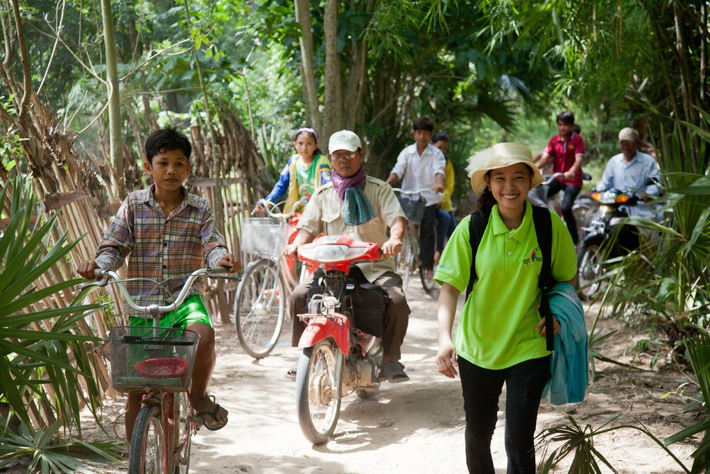 Fund 10 Cambodian graduates to educate rural youth
