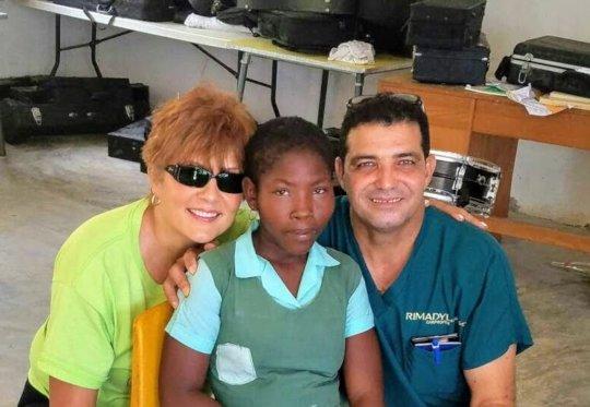 Crista with Sandra (PoumonTEK) and Surgeon