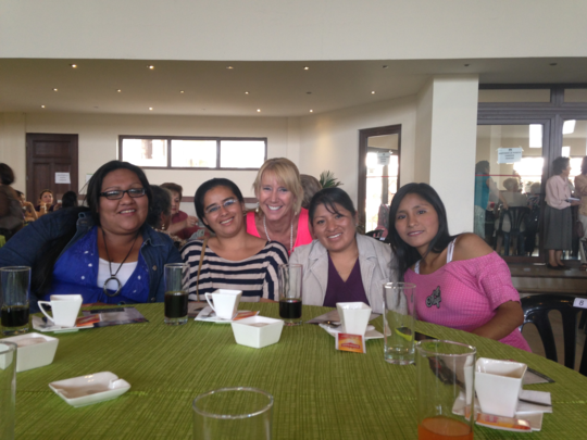 Fabiola, Paola, Sandy, Jobanna, Aracely at tea
