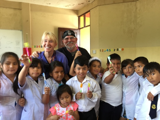S. Kemper & Dr. S. Duffin with Chapare children