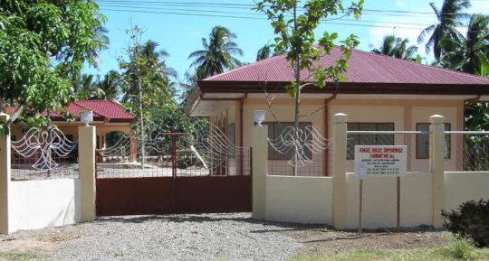 care for twenty children 0-6 years in Philippines