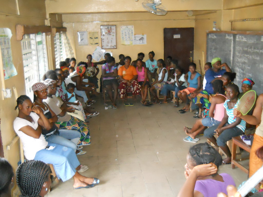 Prevent the spread of Ebola in West Point, Liberia