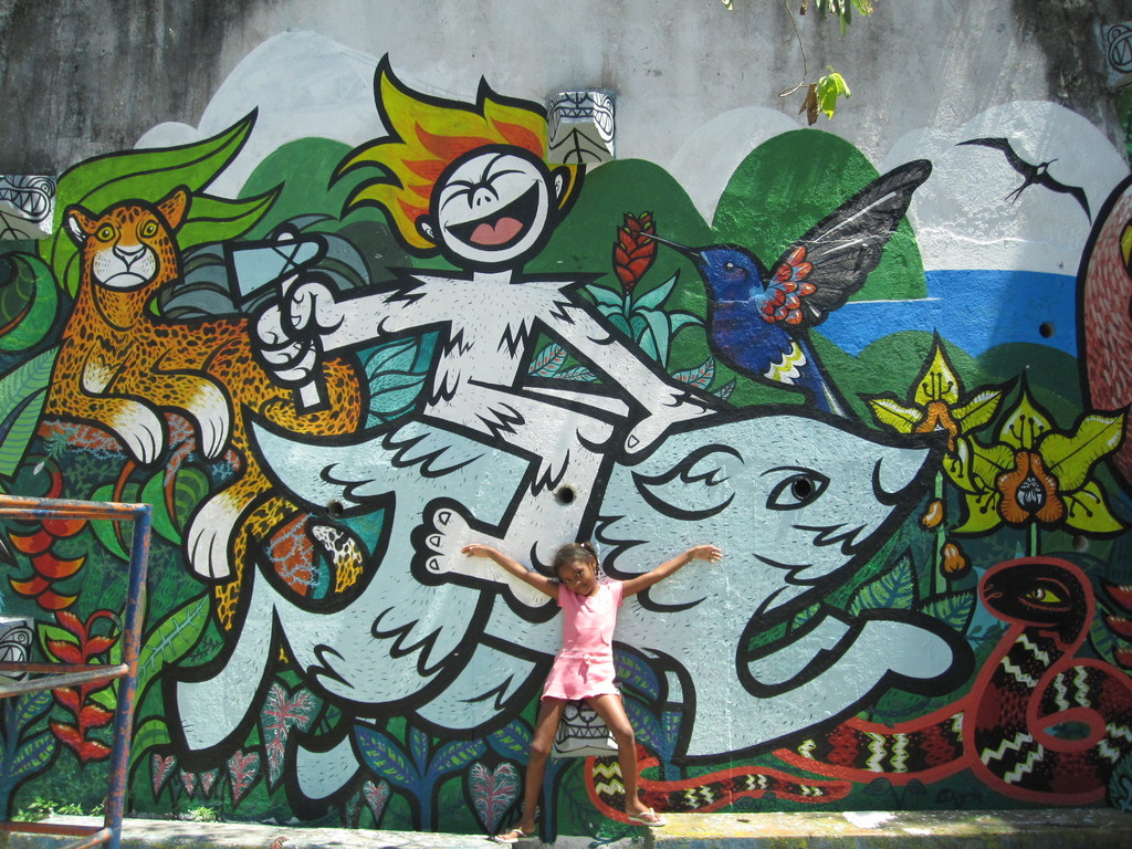 Mural Brigada Neotropica at Julio Otoni