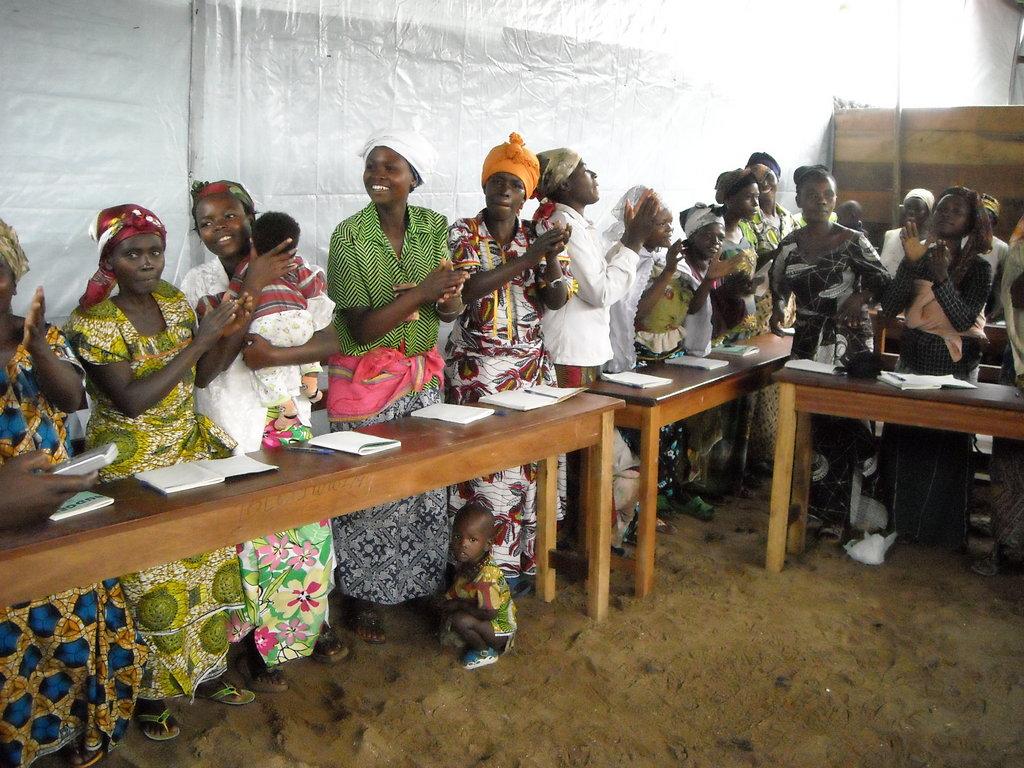Teach 4200 women in the Congo (DRC) basic literacy