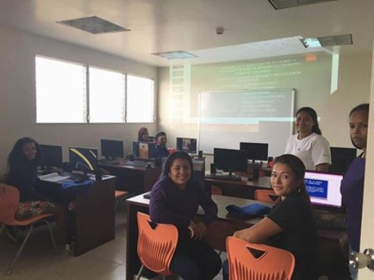 Computer classes by INADEH, at Center Las Claras