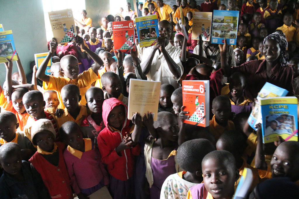 Improve the education of 2,000 students in Kenya