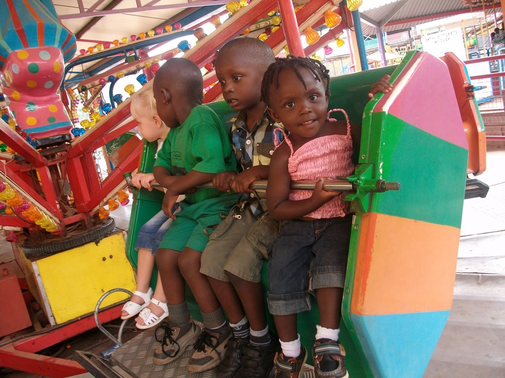 Make 25 kids enjoy this Christmas in Uganda