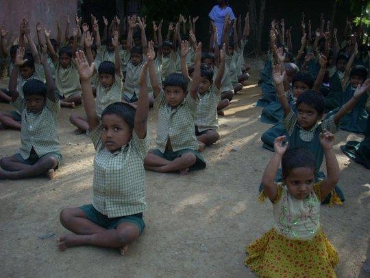 children celebrate independance day