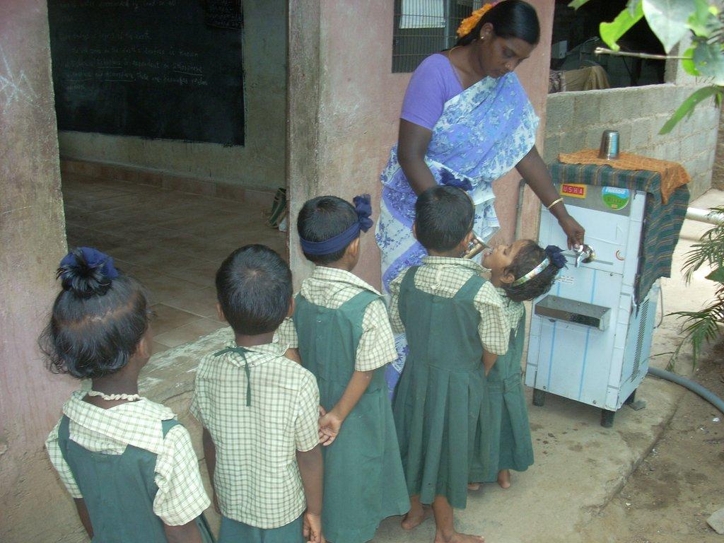 drinking water for children