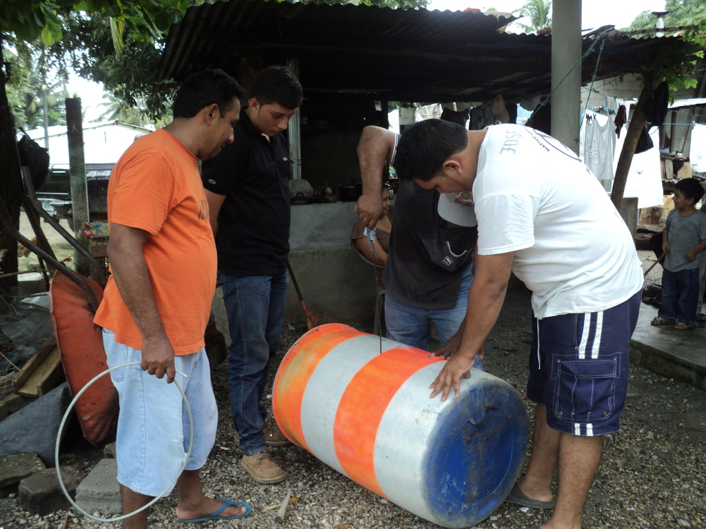 Fishers preparing recovery sites demarcation bouys