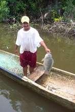 Fisherman in Río Dulce