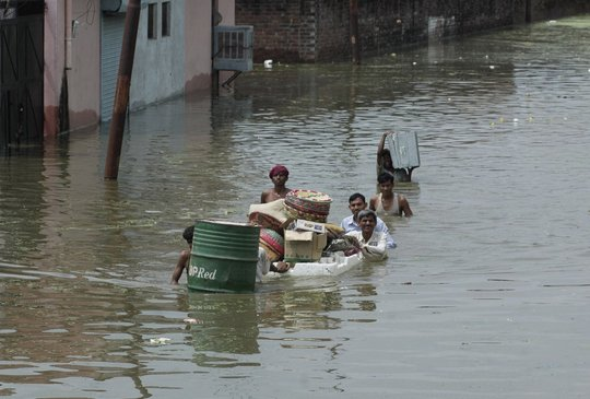 Hudhud relief fund for 500 very poor families