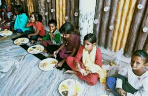 Provide Gift & food to poor street children