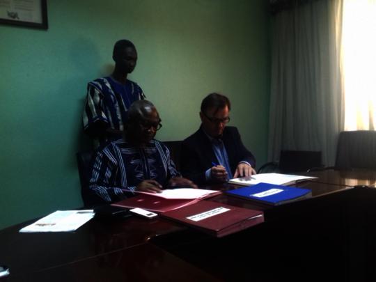 Signature of the partnership agreement