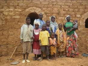 A Burkinabe family and its NV house