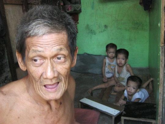 Hot Meals for Evacuees like Antonio