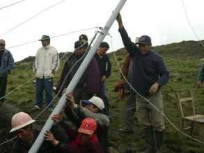 Raising the turbine with the community.