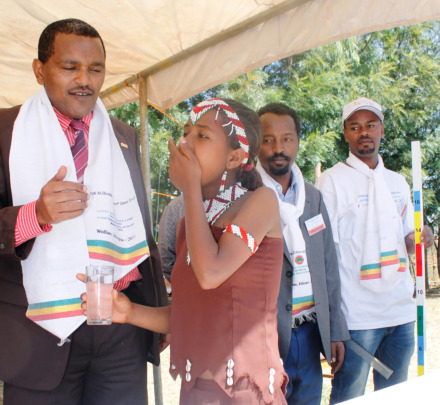 Dr.Kebede Worku hands out Zithromax dose