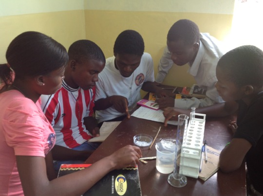 EKARI students using lab equipment for experiments