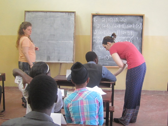Michigan Students Teaching in Community Building