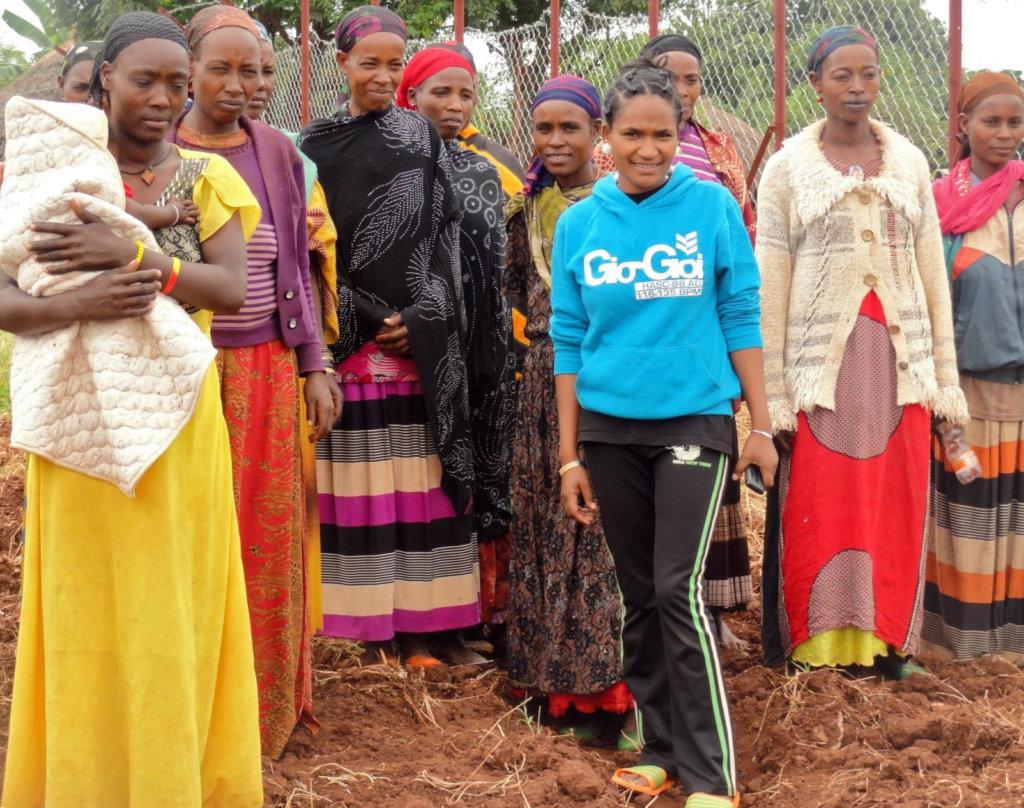 Billa Village Women & Trained Gardener