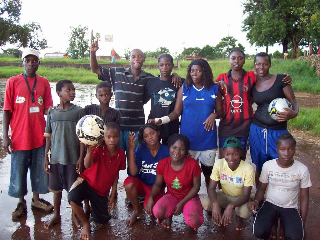 Mixed team of players at Polo 1 in Gurue town.