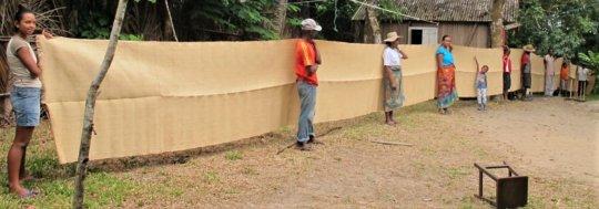 SEPALI team showcases 50 meters of raffia textile