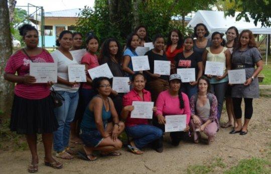 "The ""comunicadoras"" with their certificates"