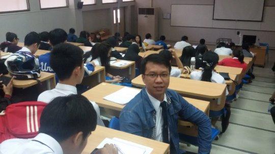Sai Oo at university
