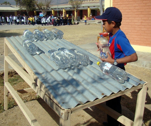 A SODIS table at the Ceferino Namuncura school