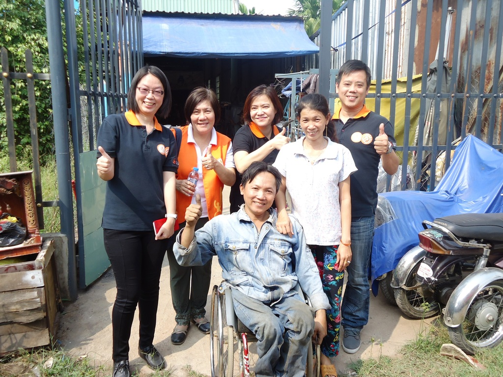 Eden Staff and Kien Cuong Factory Owner