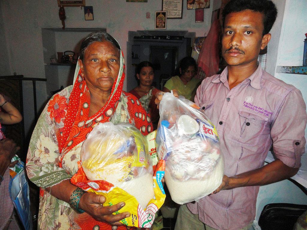 Support Poor Elderly Person with Groceries