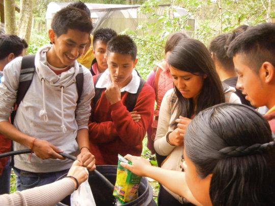 Students from Pinal de Amoles making biofertilizer