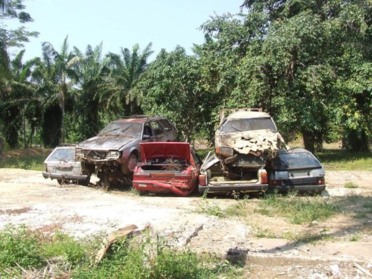 Cars dumped on Lot 46