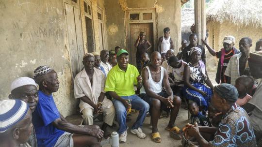 Ibrahim Kawa meets with program stakeholders